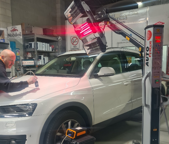 The latest update in technology our new Infra red drying lights.